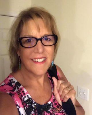 Linda Hughes-Kirchubel Headshot